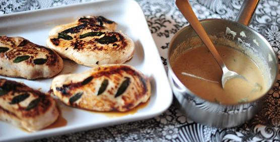 pollo-con-salvia-y-salsa-de-vermut