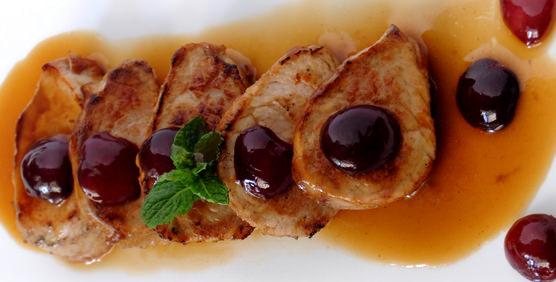 solomillo-con-picotas-del-jerte-y-salsa-de-vermut