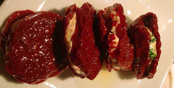 tomate-seco-relleno-de-queso