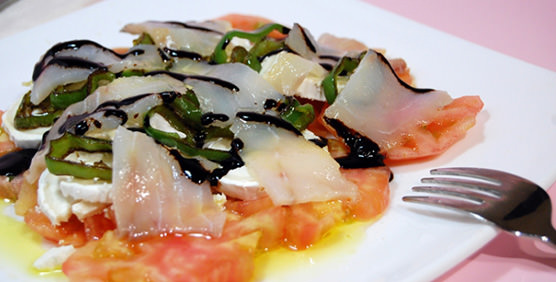 recetas-con-ahumados-ensalada-bacalao-ahumado